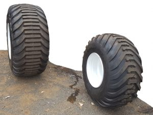 Wide industrial tyre